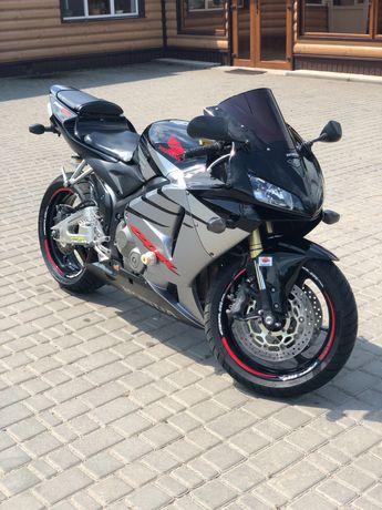 Продам мотоцикл Honda CBR 600 RR
