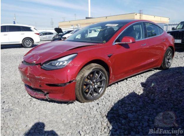 Левое Крыло Tesla Model 3, Запчасти Тесла
