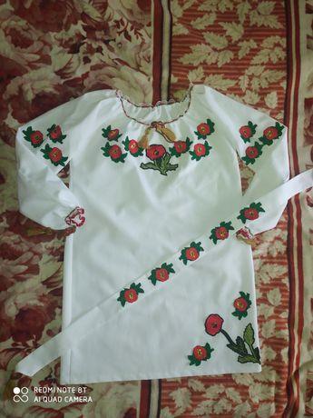 Вышитое платье на девочку 11—13лет