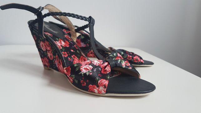 Buty sandałki szpilki 39 w kwiaty