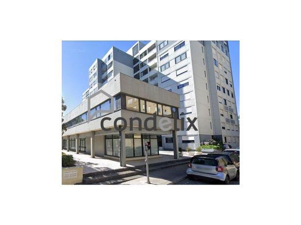 Escritórios para venda na Rua do Campo Alegre, Lordelo do...