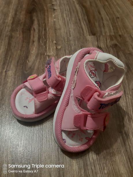Босоножки, туфли на девочку