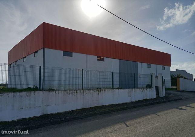 Armazém - Zona Industrial de Alter do Chão