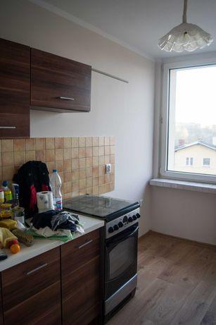 Wynajmę mieszkanie oś. Słonecznym, 3 pokoje, balkon, 2 windy, 4 piętro