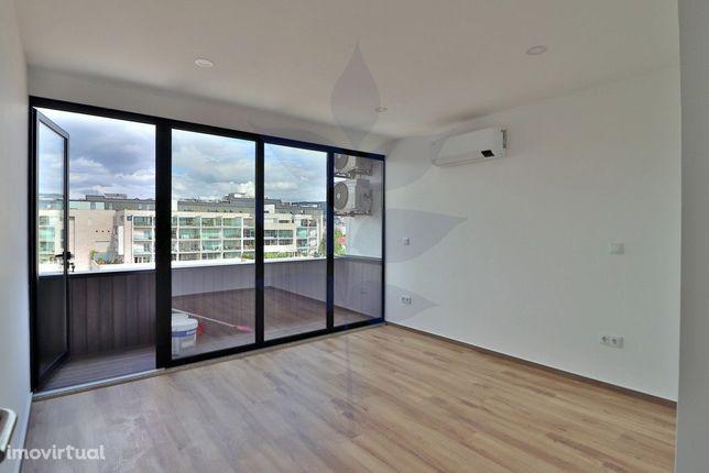 Escritório para arrendamento no Centro Comercial do Rechicho - RENOVAD