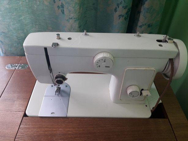 Швейна машина Чайка