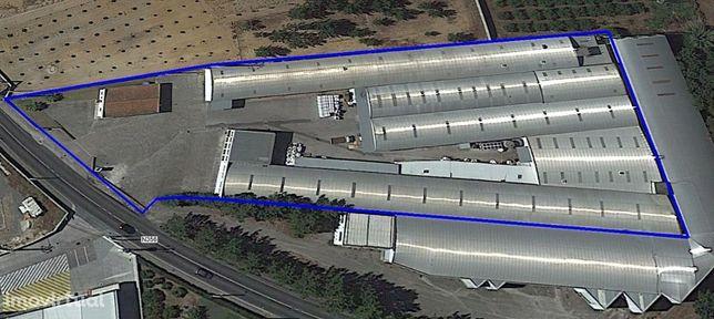 Armazém 6.400m2 – Terreno 10.750m2 preparado Indústria Plástico