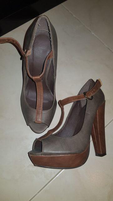 Sapatos mary paz 35