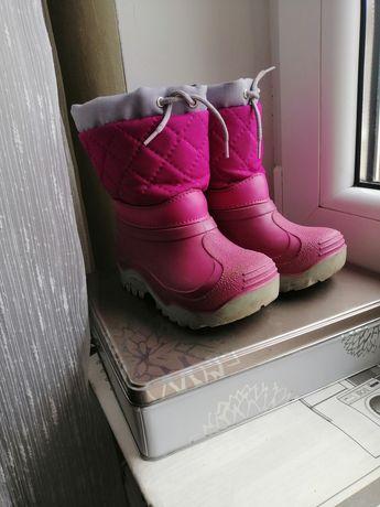 Зимові чобітки. Сноубутси. Непрокаємі чоботи.