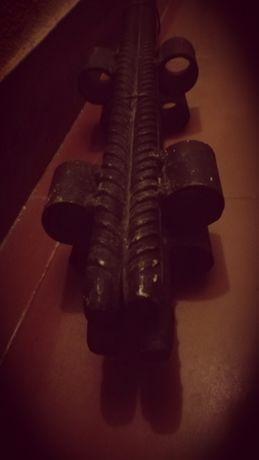 estacas em ferro com 65 cm novos