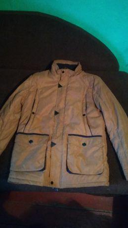 Продаю куртку носил редко