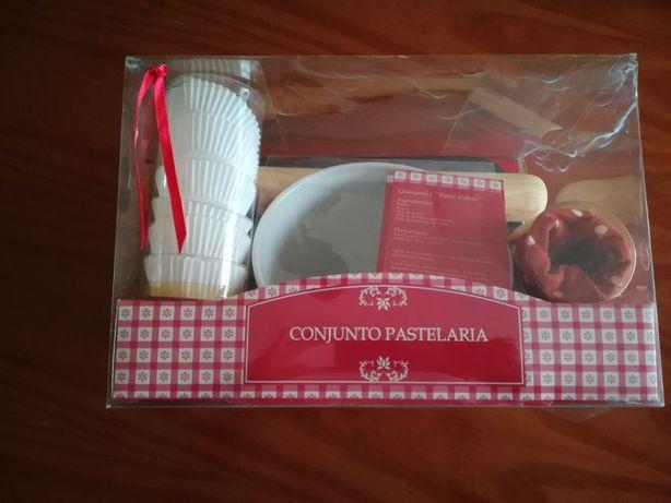 Conjunto de pastelaria para fazer queques