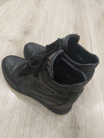 Кожанные ботинки женские