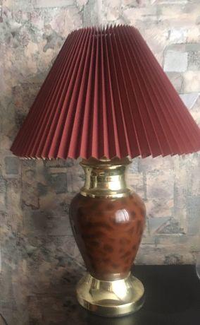 Продам настольную лампу