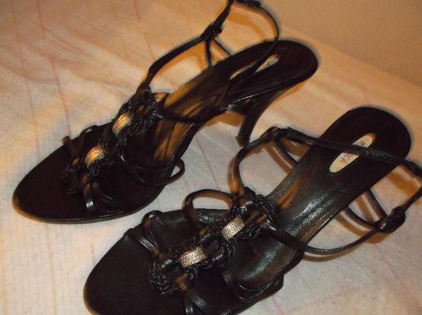 Sandálias variadas