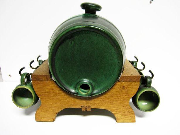 licoreira em forma de barril em cerâmica com 4 copos - anos 50