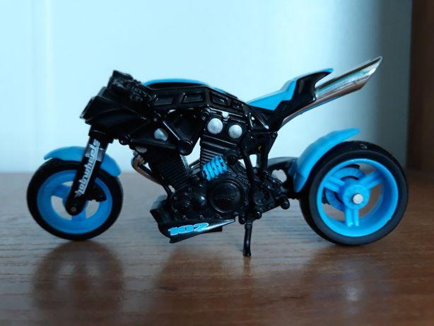 Model prawdziwego motoru
