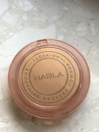 Puder NABLA Close Up kolor medium