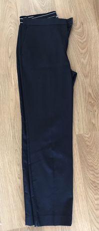 2 Calças (azuis-marinho e cinzentas) Zara