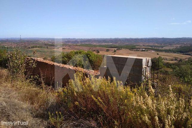 Quinta com 4ha e ruína com vista espetacular
