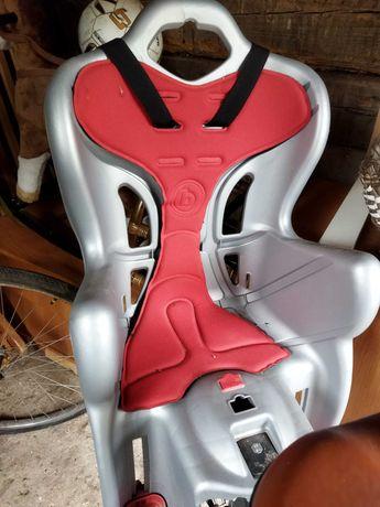 BELLELLI fotelik rowerowy dla dziecka na bagażnik