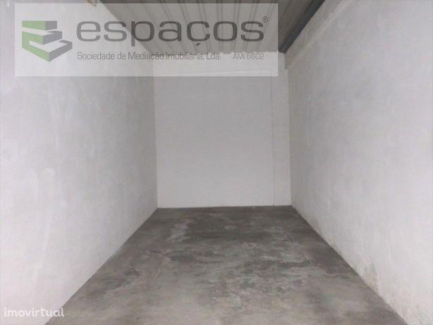 Garagem exterior Castelo Branco