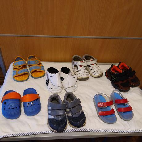 Sapatilhas e sandálias - tamanho 18 a 21
