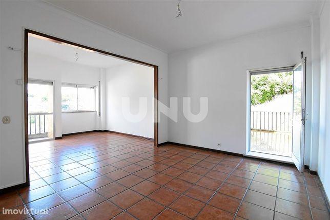 Apartamento T3 com áreas generosas para venda na Covilhã!