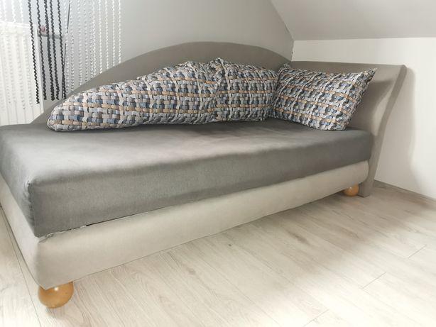 Tapczan Łóżko szare + poduszki