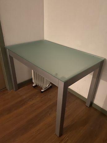 Mesa como nova com cadeiras