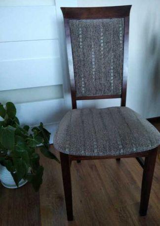 Komplet 4 solidnych krzeseł. Jak nowe.