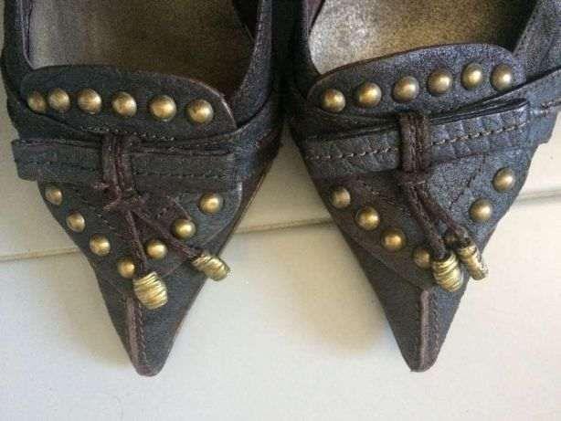 Sapatos castanhos (tam 37)