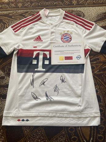 Koszulka Bayern Lewandowski Muller i inni oryginalne autografy COA