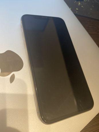 Apple Iphone 10 64 GB Silver (хорошее состояние)
