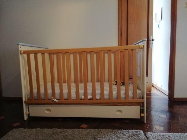 Mobília de quarto de bebé /criança com colchão e roupa de cama