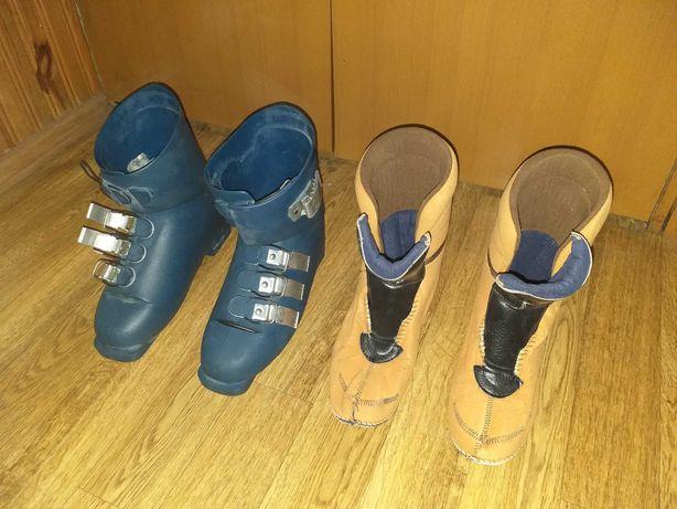 Buty narciarskie, rękawice i paski do wiązań