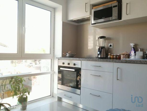 Apartamento - 92 m² - T2