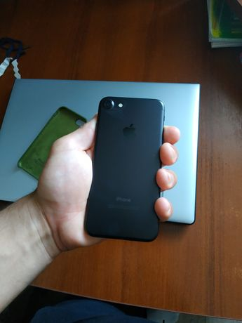 Продам iphone 7/32