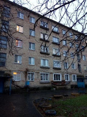 Продається 2х кімнатна квартира в центрі Фастова.