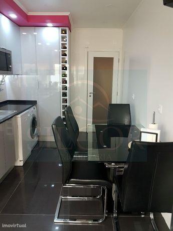 Apartamento T2 Venda em Santo António da Charneca,Barreiro