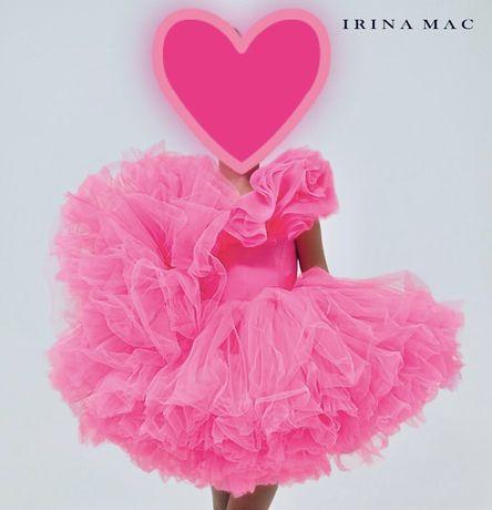 Стильна, сучасна сукня від дизайнера Irina Mac на 3-7 років.