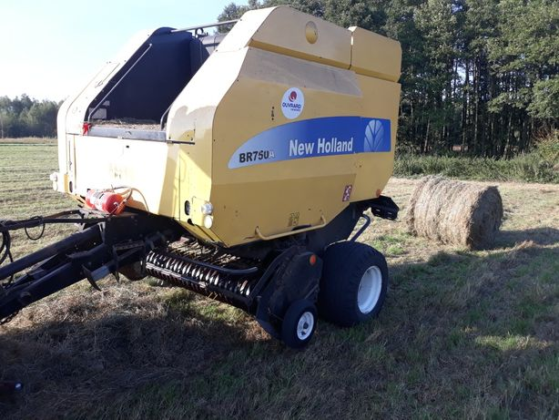 Prasa New Holland Br750