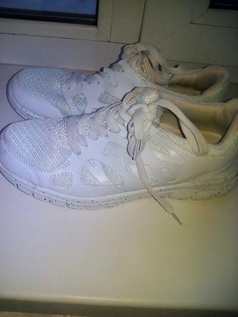 легкие,удобные кроссовки,унисекс
