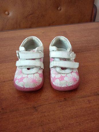 Дитяче взуття 23 розмір