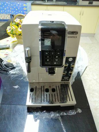 Máquina de Café DELONGHI Dinamica