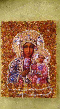Matka Boska Częstochowska z różańcem i bursztynami
