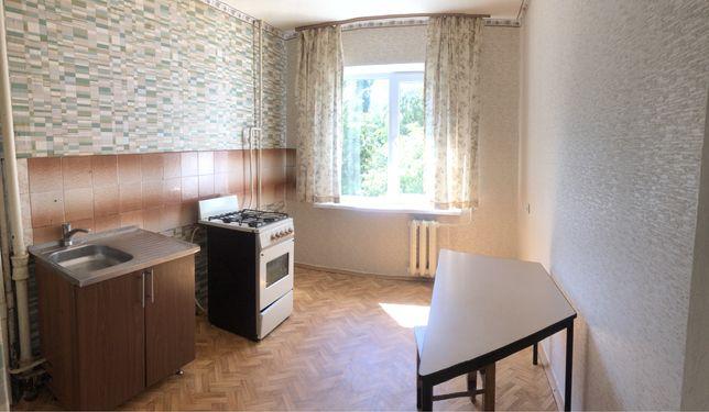 Продам двокімнатну квартиру на Піонерській!