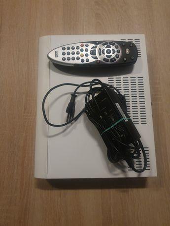 Bialy Nbox z Enigma2 8.6.0