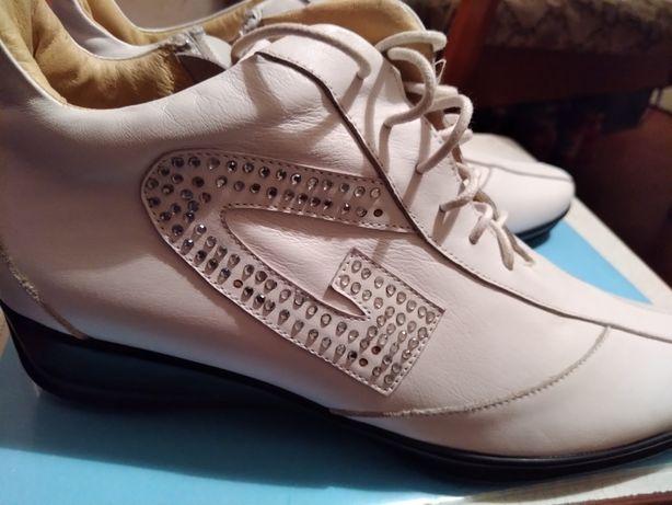 Продам ботинки женские р.37, новые, кожа