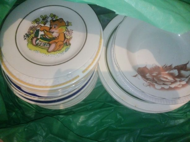 Тарелки  25 штук разные